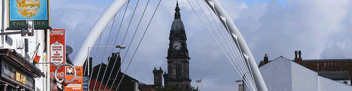 Bolton Arch and Town Hall by Ian Roberts
